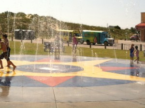 2014_07-30 Splash Pad with kids and buses - taken by DW (2)